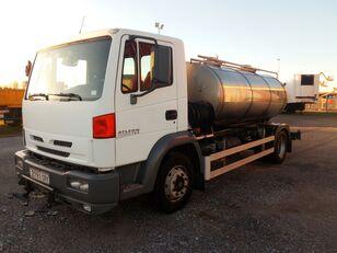 камион-цистерна NISSAN ATELON 165