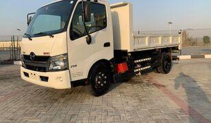 камион кипер HINO 300