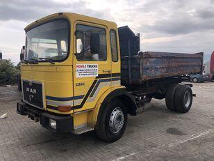 камион кипер MAN 16.240