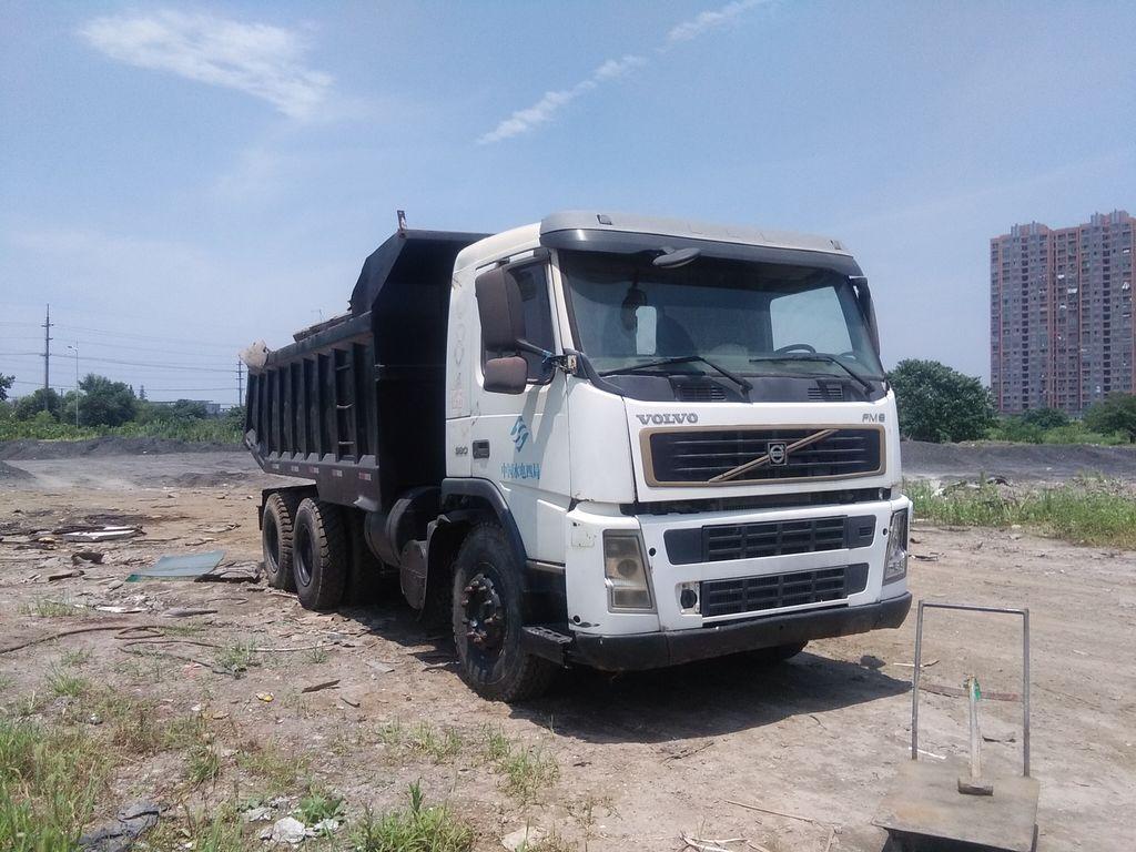 камион кипер VOLVO FM6