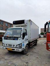 камион-ладилник ISUZU