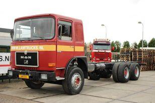 камион-шасија MAN 32.361 6X4 MANUAL FULL STEEL