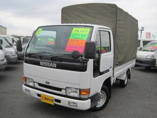 камион со церада NISSAN Atlas