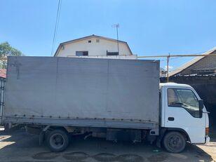 камион со церада ISUZU NkR55