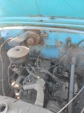 камион со рамна платформа GAZ 5204