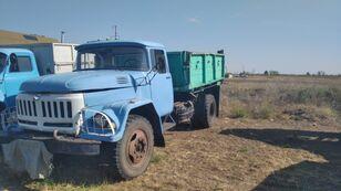камион со рамна платформа ZIL