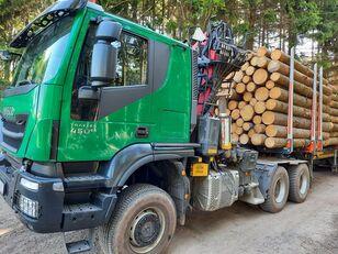 камион за превоз на дрва IVECO TRAKKER