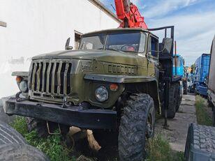 камион за превоз на дрва URAL HYAB