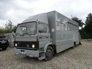 камион за превоз на животни VOLVO F612 pro přepravu koní