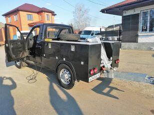 камион за шлепување UAZ Карго