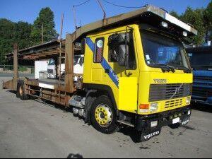 камион за транспорт на возила VOLVO FL10