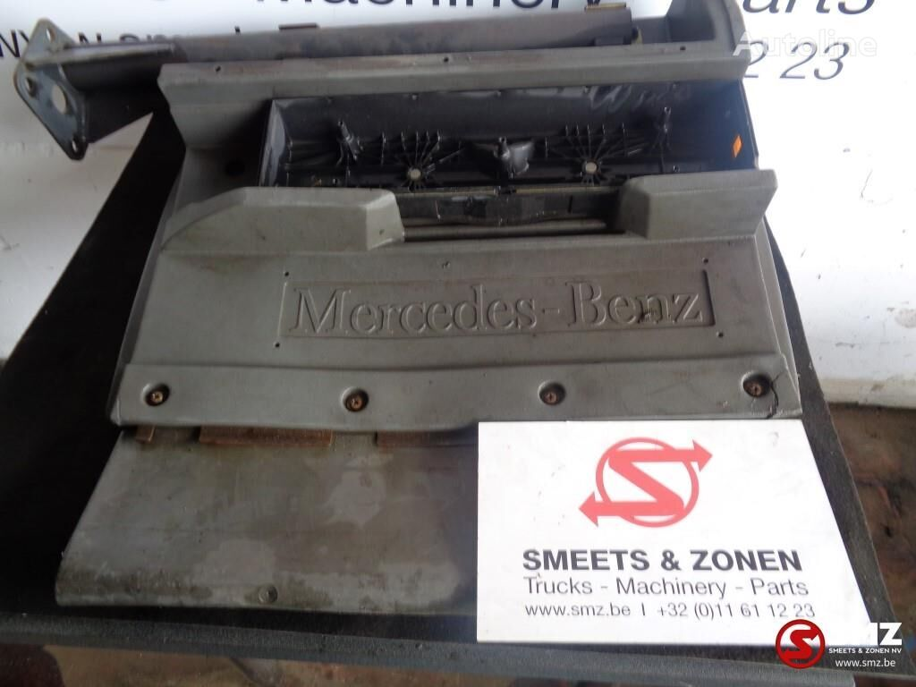 калник MERCEDES-BENZ Occ spatbord achter mercedes за камион